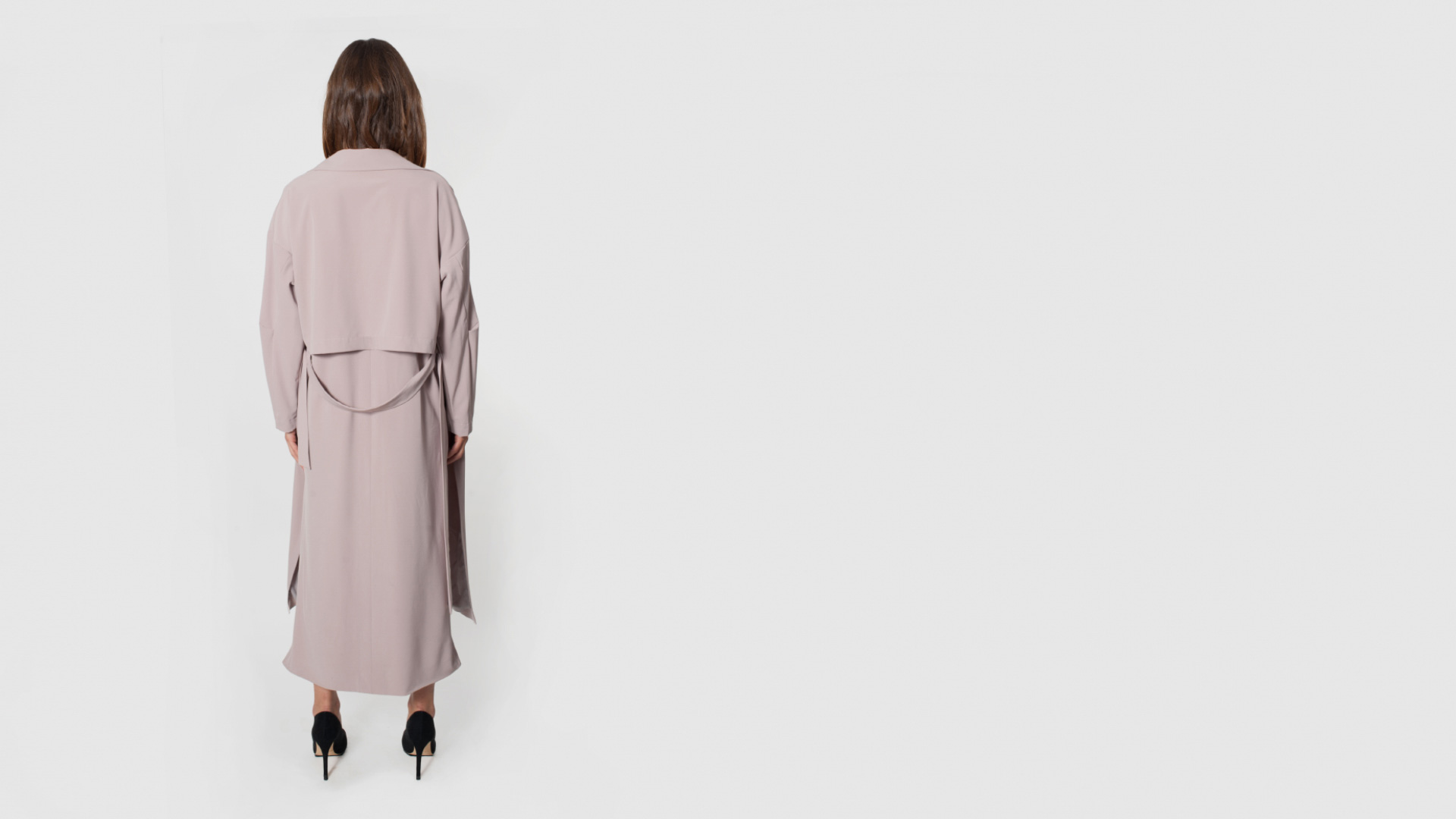 płaszcz różowy z kieszeniami